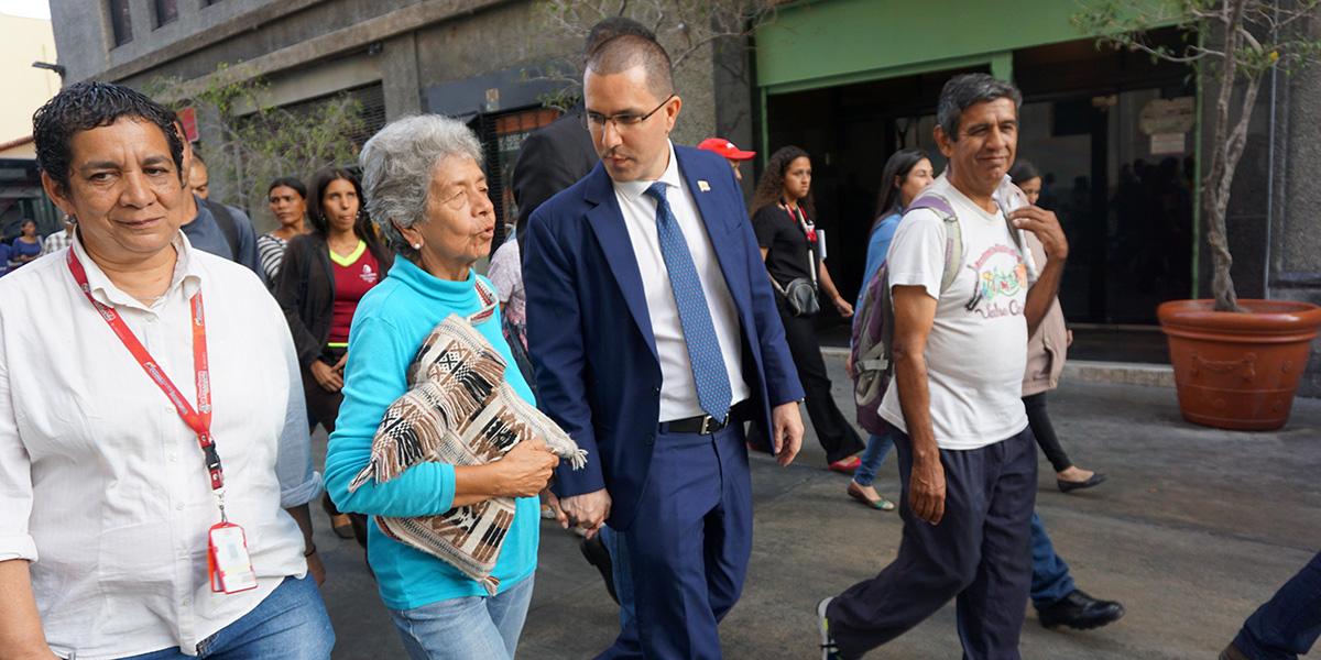 Canciller Arreza: Tenemos que crear muchos escudos para evitar una intervención en Venezuela