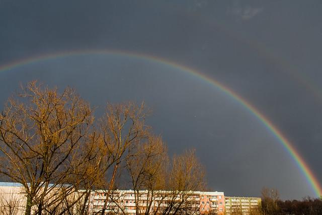 rainbow / @ 18 mm / 2019-03-10