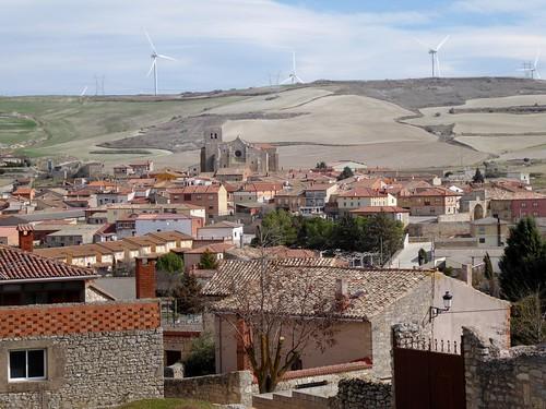 Los Balbases (Burgos-España). Barrio de  de San Esteban visto desde la iglesia de San Millán