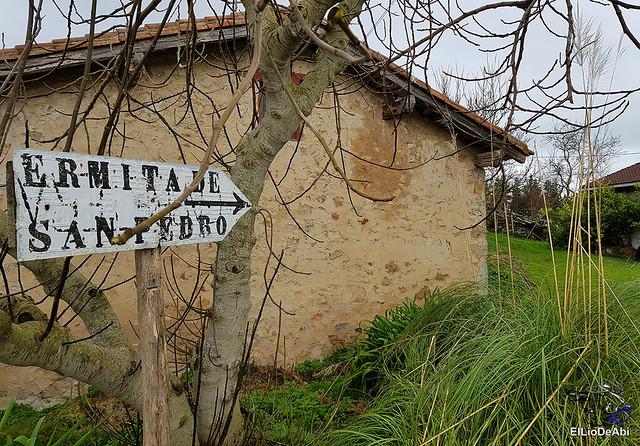 Ermita de San Pedro de Atxarre, posiblemente el mejor mirador sobre Urdaibai.  y después el  desayuno vasco  (3)