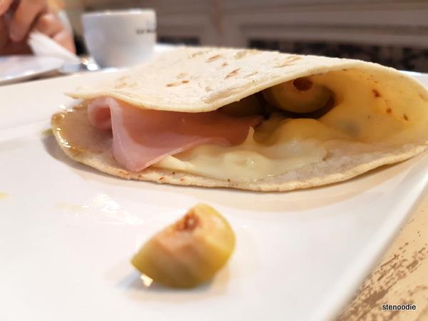 proscuitto cotto e formaggio Piadine di kamut