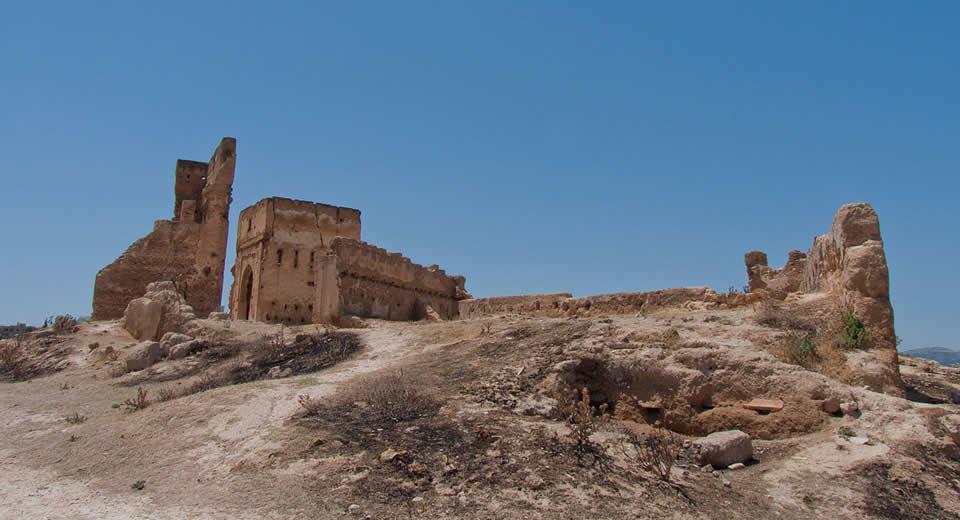 Fez: Menerid Tombes, uitzicht in Fez Marokko | Mooistestedentrips.nl