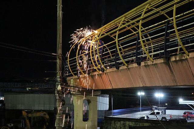 14.02.19 Prefeitura inicia retirada de estrutura de passarela da Torquato Tapajós