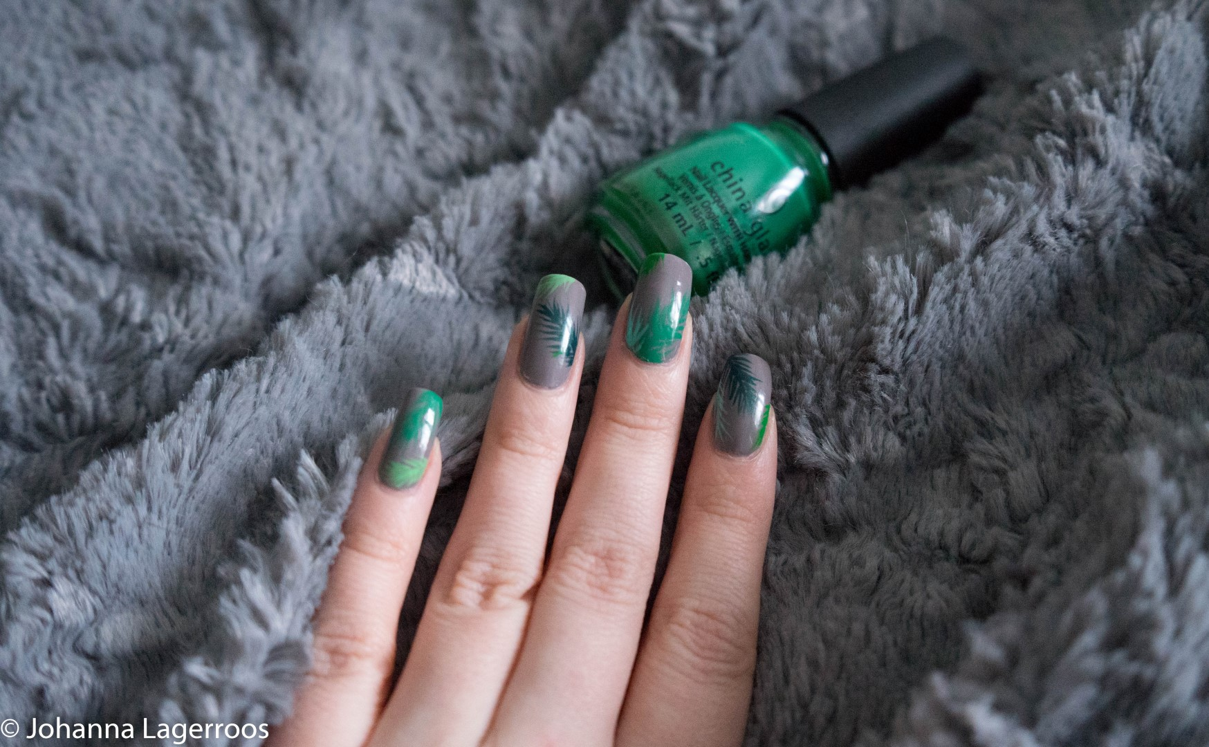 tropical leaves nails