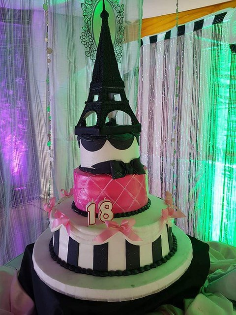 Cake by Eiffel Tower Cake by Anne Yambao Hermoso-Delgado