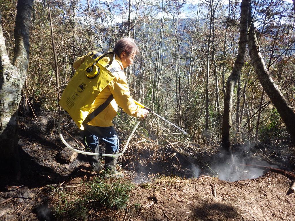 殘火的處理一點也不能忽略。圖片來源:南投林管處