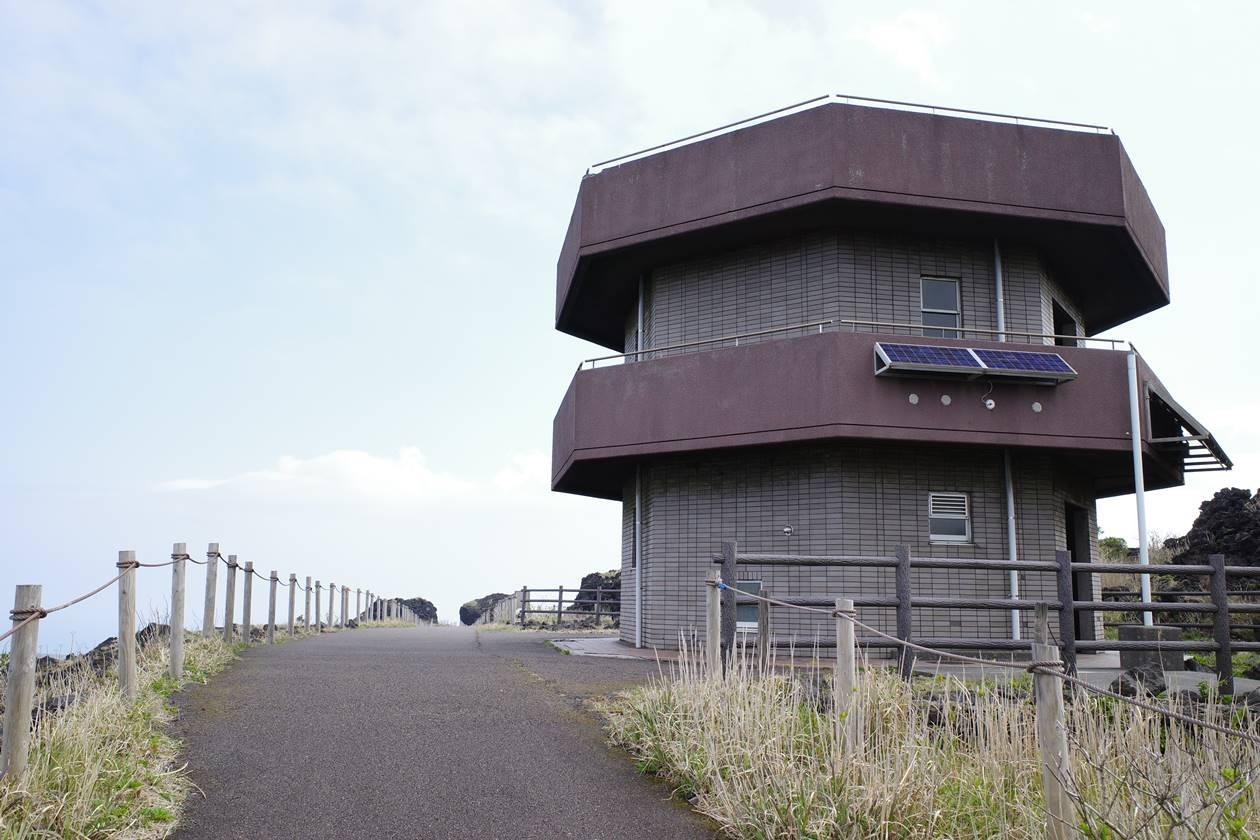 伊豆大島・三原山登山 火口周回コースのトイレ