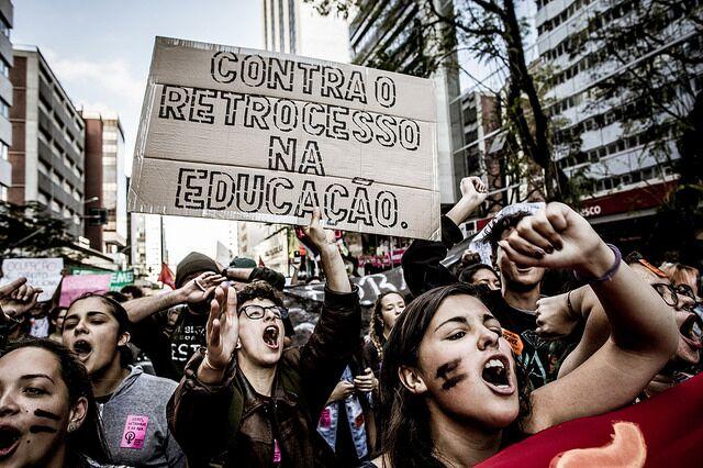 O descuido com a educação persiste desde o governo anterior - Créditos: Leandro Taques