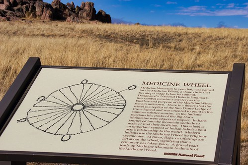 IMG_12665b_Sign_On_Way_to_Medicine_Wheel