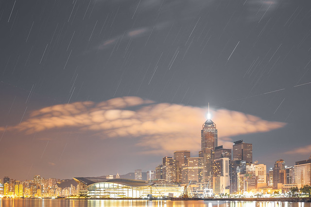 Wanchai Star-Trail, Canon EOS 6D, Canon EF 35mm f/2 IS USM