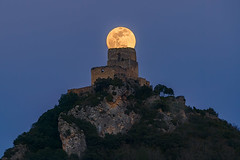 Super Luna de gusano sobre el Castillo de Ocio -  Super Worm Moon over Ocio Castle