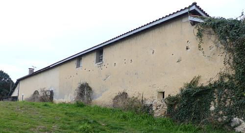 Saint Martin-de-Hinx, Landes: maison avec meurtrière!