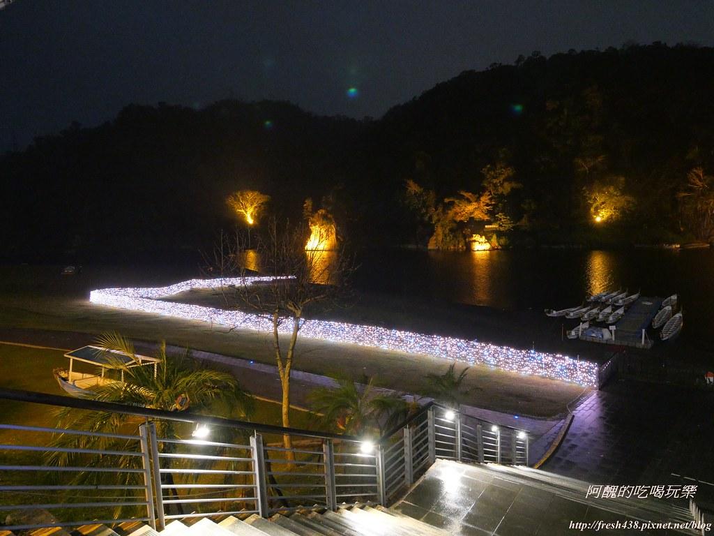 P1003806水舞周邊有燈光裝置藝術
