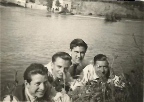 Rio Tajo - 1947. Antonio Moragón arriba y Sánchez-Colorado el primero a la izquierda. Colección de Pedro Sánchez-Colorado