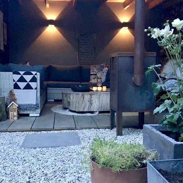 Overkapping boomstamtafel loungeset landelijk