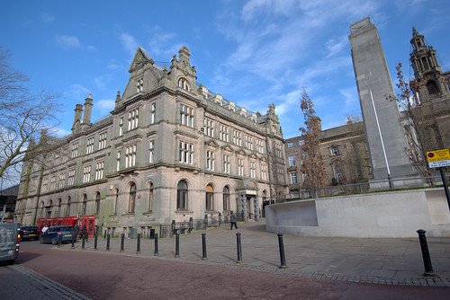 Shankly Hotel and Cenotaph in Preston | by Tony Worrall