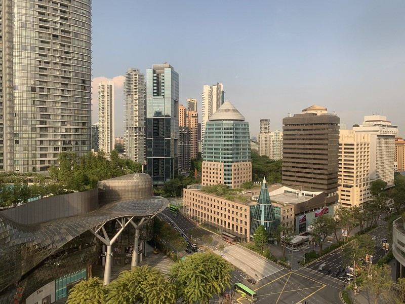 Singapore Marriott Tang Plaza Hotel - Premium Deluxe Room - Orchard Road View