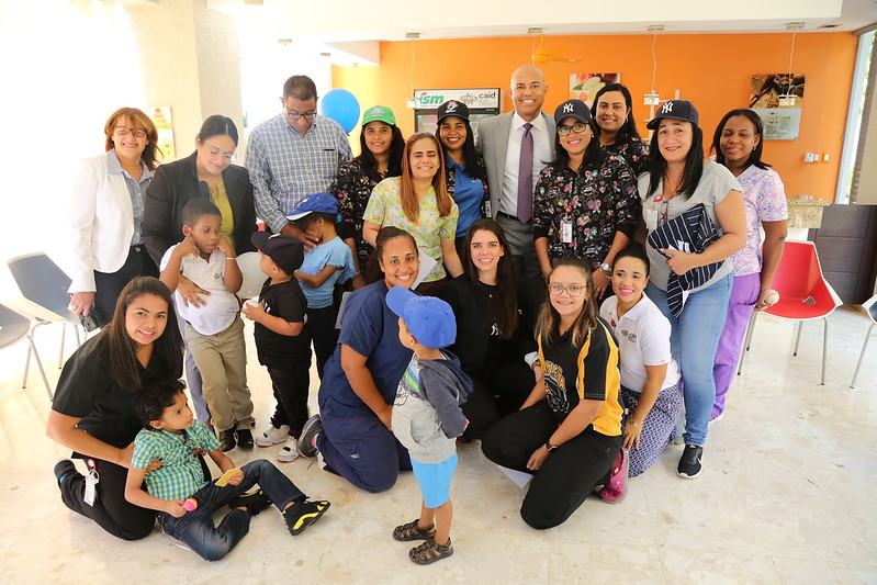 Visita de Mariano Rivera al CAID SDOeste