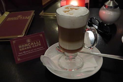 Café Royal = mit Karamell verfeinerte Kaffeespezialität