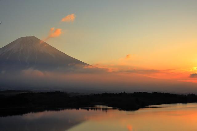 Lake Tanukiko of the morning