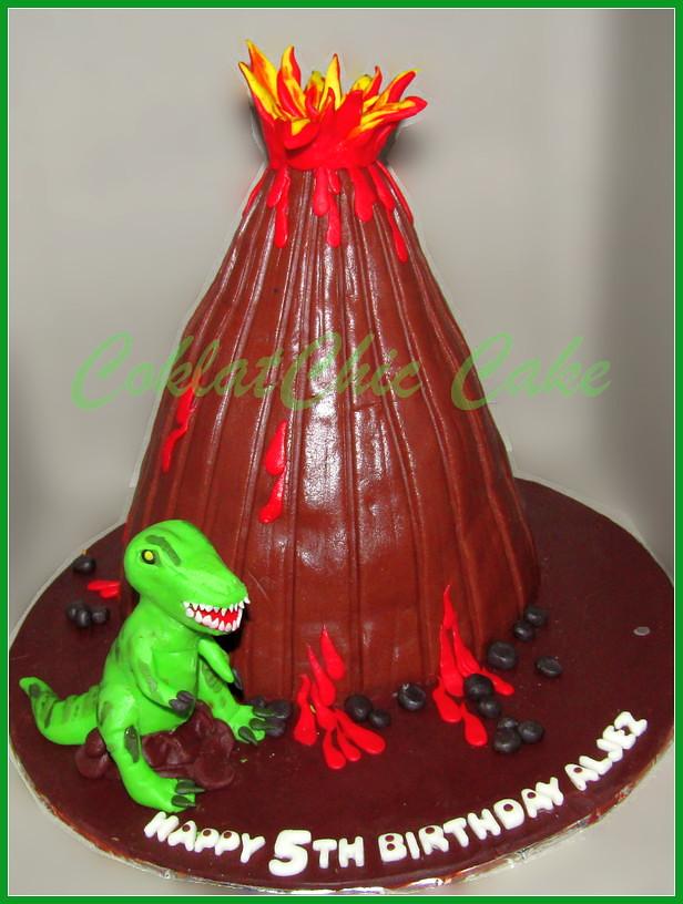 Cake Dino Volcano ALJEZ 20 cm