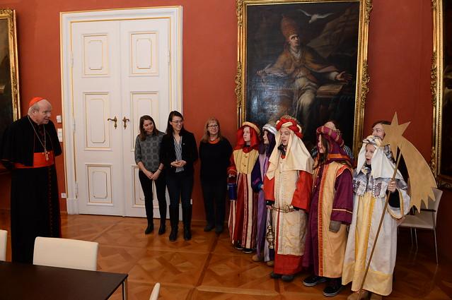 Sternsinger/innen bei Kardinal Schönborn