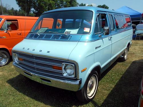 1974 Dodge B100 Sportsman