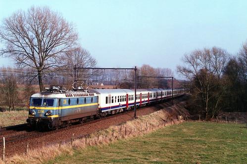 B2216-18-03-2005