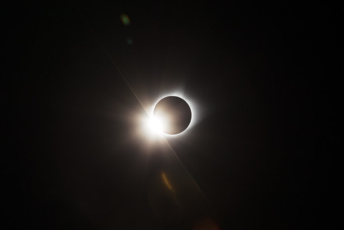 Total Solar Eclipse Diamond Ring 02