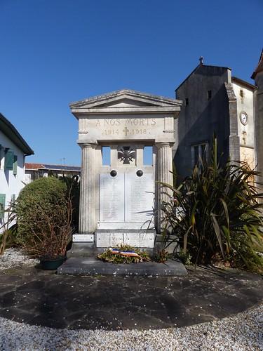 Saint André de Seignanx, Landes: monument aux morts, architectes Louis et Benjamin Gomez