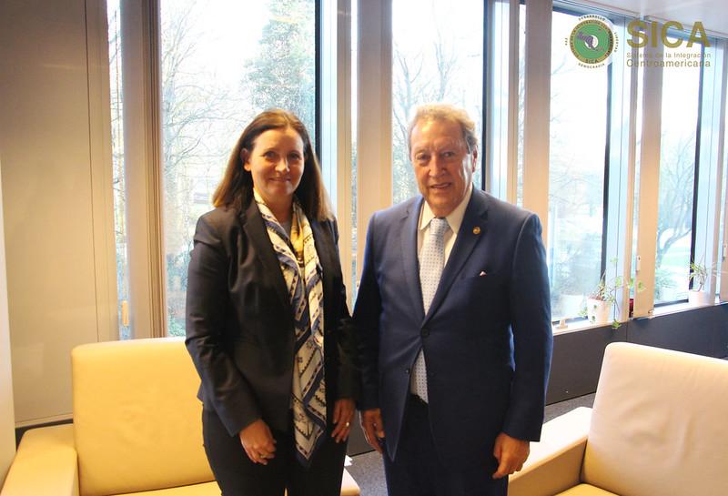 Reunión con Sra. Edita HRDÁ, Directora  Ejecutiva para las Américas, European External Action Service, EEAS