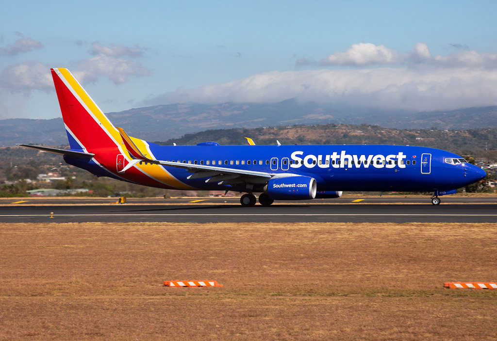 Speeding up on RWY07 for departure to Houston HOU. Delivered 04/2012.