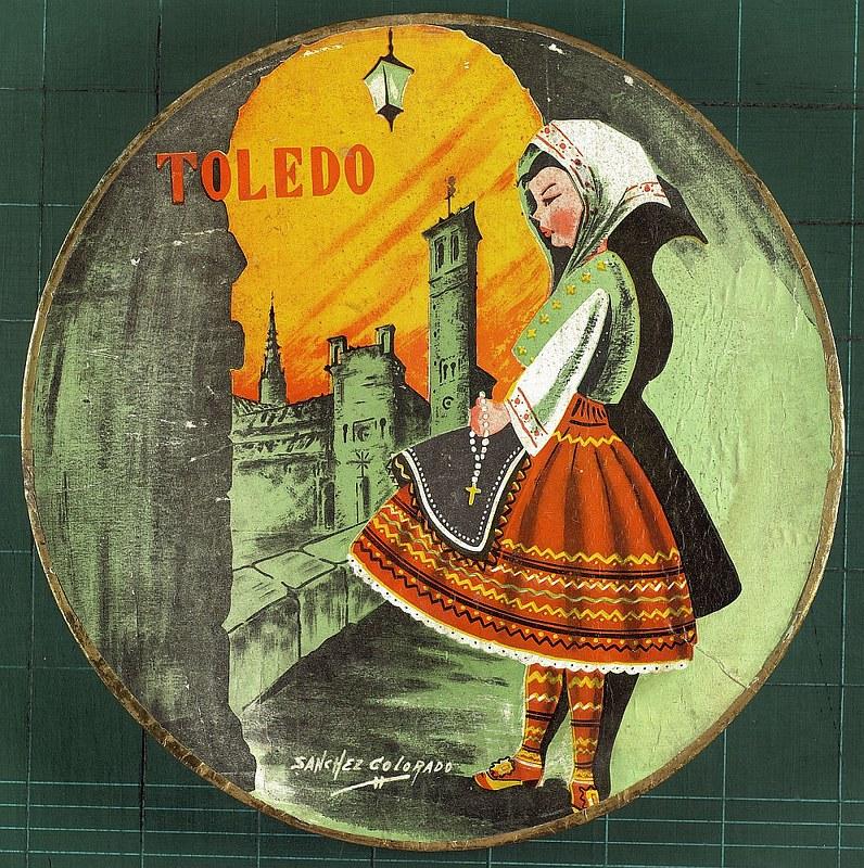 Caja de mazapán de casa Telesforo con un dibujo de Pedro Sánchez Colorado. Archivo Municipal, Ayuntamiento de Toledo