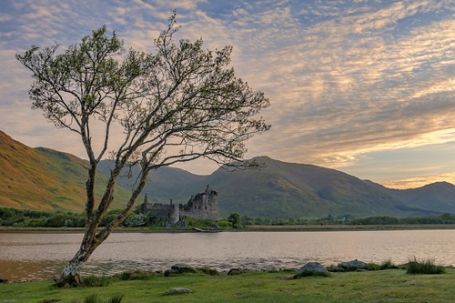 *Loch Awe / Kilchurn Castle - golden hour II*