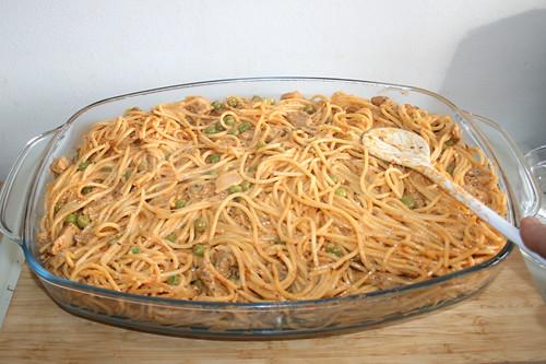 12 - Nudeln glatt streichen / Flatten noodles