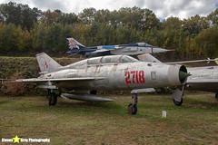 2718---662718---Polish-Air-Force---Mikoyan-Gurevich-MiG-21U-600---Savigny-les-Beaune---181011---Steven-Gray---IMG_5625-watermarked