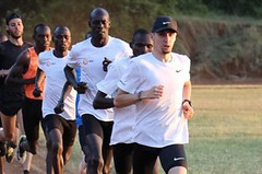 """Julien by měl běžet maraton co nejdřív, tvrdí """"keňský parťák"""" Homoláč"""
