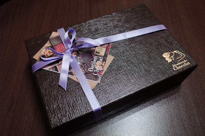 銀座一丁目Decadence du Chocolatボンボンショコラ24個入りパッケージ