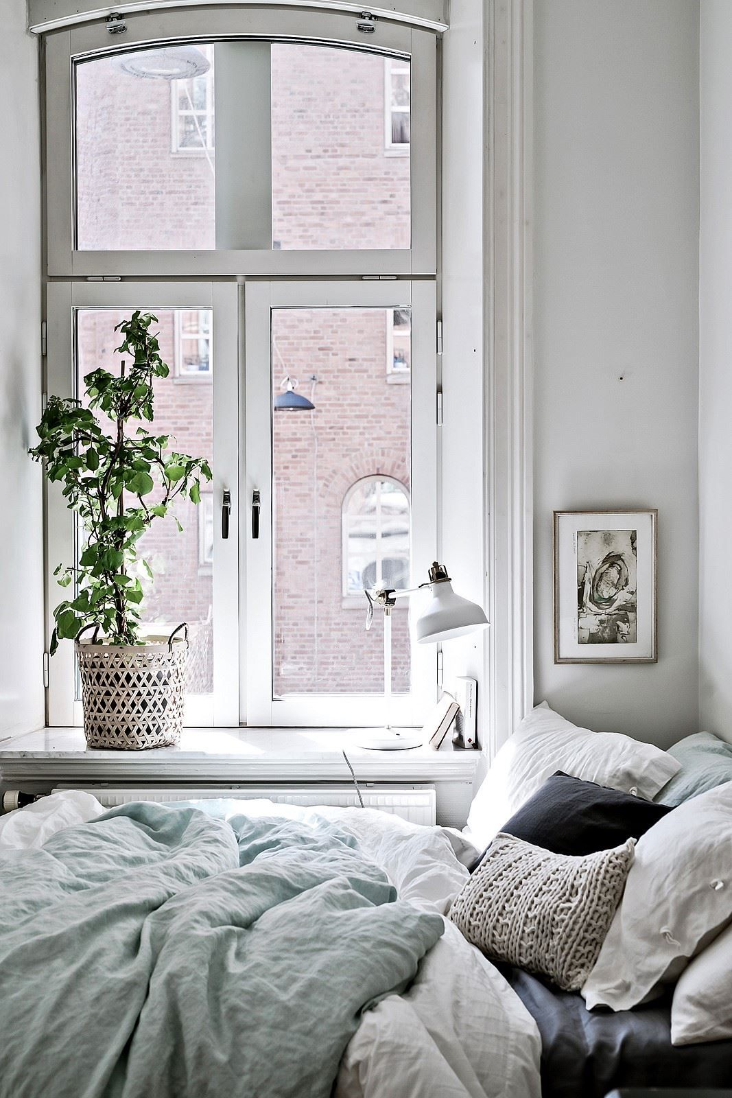Scandinavian Minimalist Cozy Neutral Bedroom Ideas