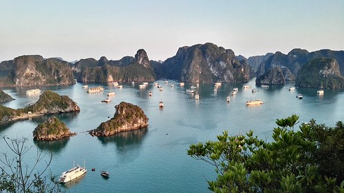 5 Best Tips for Visiting Vietnam's Spectacular Halong Bay