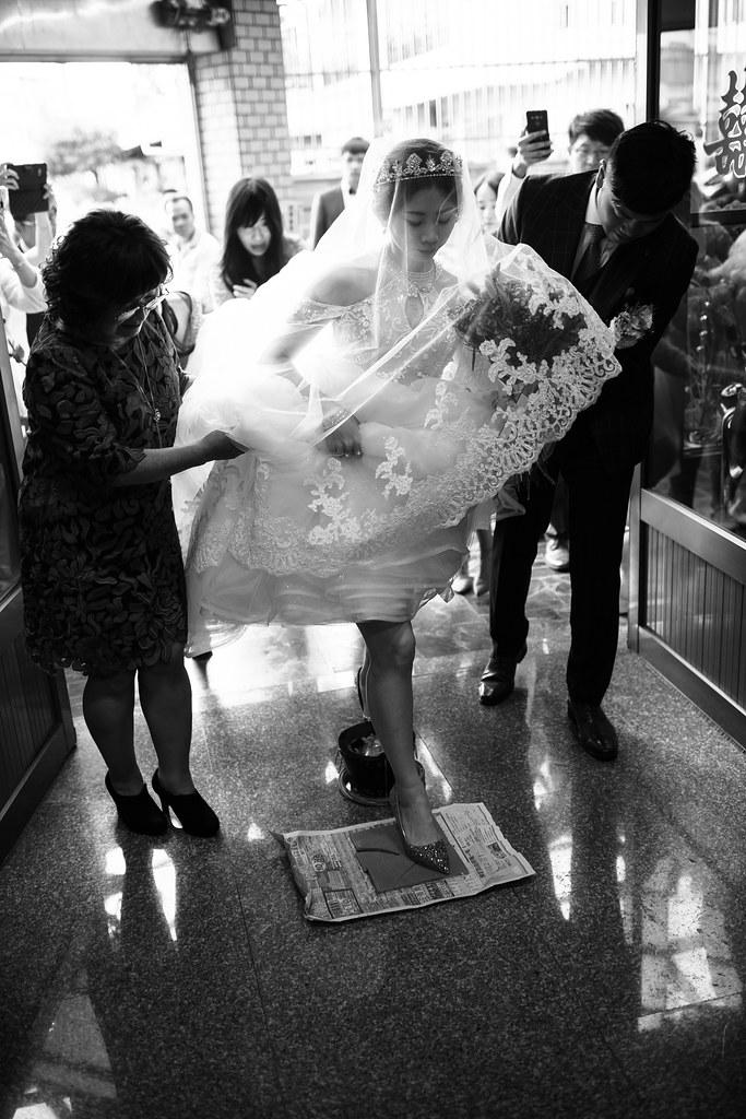百大攝影師,東達極品美饌,婚禮宴客,台中婚攝,找婚攝,EDstudio,婚攝推薦,意識影像,婚紗攝影,台中市婚禮拍攝,蔡艾迪,lightwedding,訂結同一天,飯店辨婚禮,台灣婚禮攝影,東達婚攝,后里婚禮紀錄