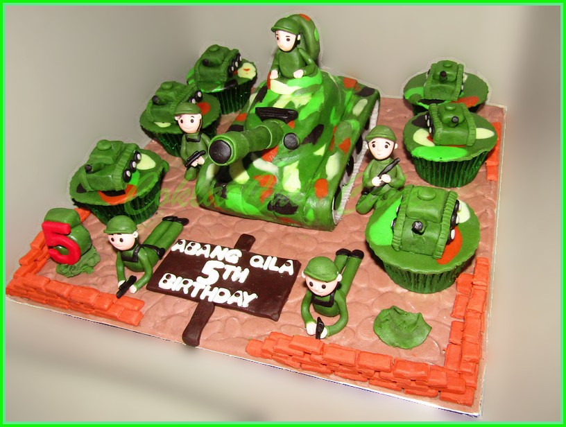 Cake dan Cupcake Tank Abang QILA 15 cm