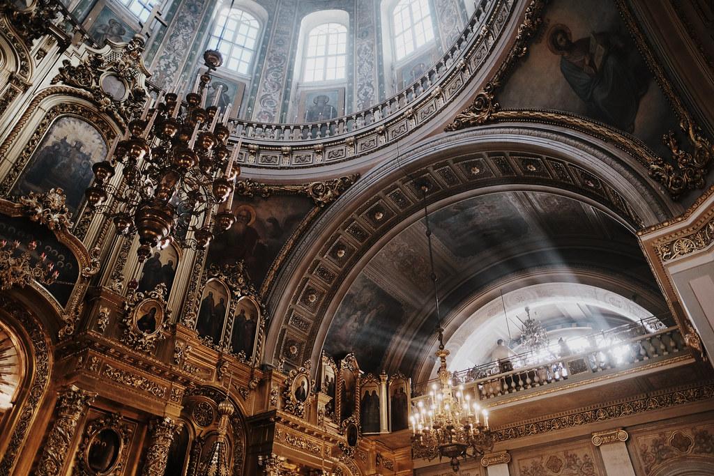 Епископ Домодедовский Иоанн совершил Божественную литургию в Богоявленском кафедральном соборе в Елохове