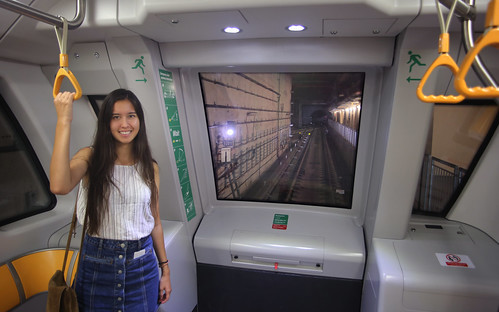 MRT trains in Singapore are fully automated without driver!