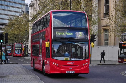Abellio Enviro 2432 at Trafalgar Square
