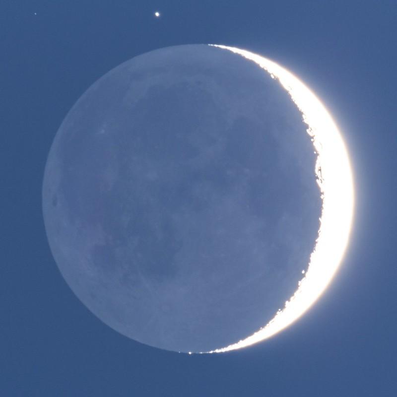 月齢3.3の地球照 (2019/1/9 17:23)