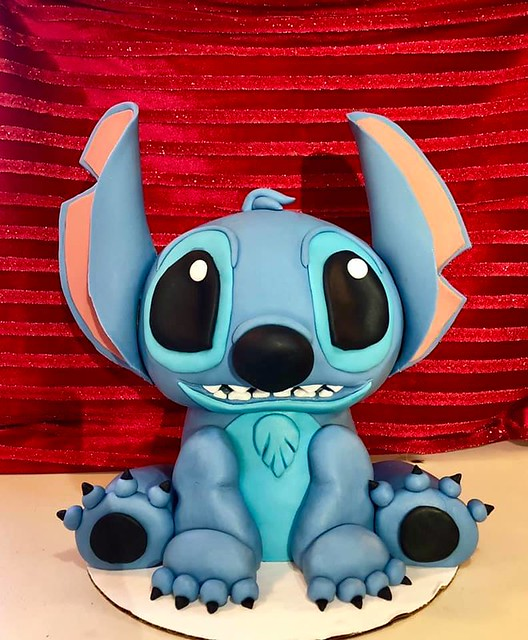 3D Stitch cake from Lilo & Stitch. By Ashley Nichole Ivie of A Spoonful of Sugar Creations