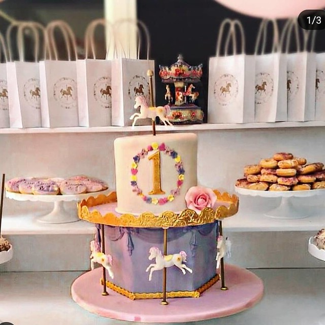 Cake by Busy Bee Cakes