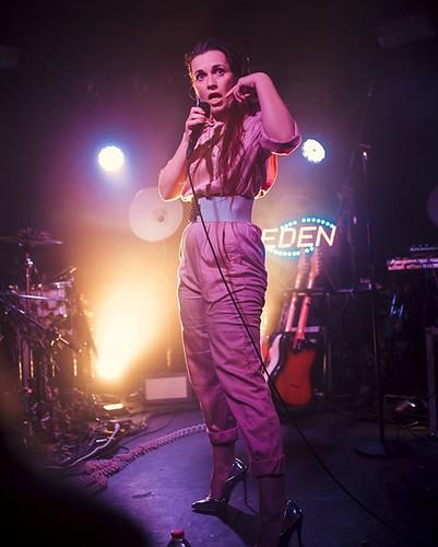Ein triviales Imitat? Fabulous #smatka releasing her next single #KLISCHEE this friday #musicvideoincoming #iamjohannes