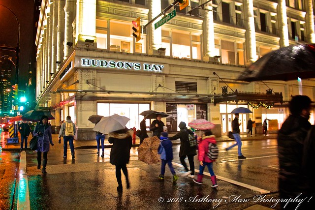 Hudson's Bay Store Rainy, Canon EOS REBEL SL1, Canon EF-S 18-55mm f/3.5-5.6 IS STM